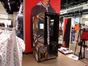 Topshop and topman closing store